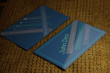 Bluish color freeBusiness Card psd template for the Designers